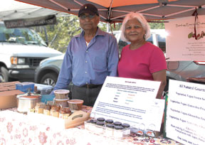 Nirmala and Karan Gupta of Bombay Emerald Chutney Company at the Larchmont Farmers Market.