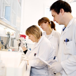 Investing in Biopharma? Four things to know about industry leader GileadSciences